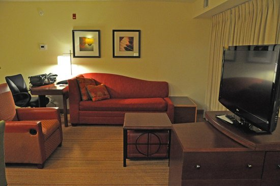 Residence Inn Corpus Christi: Sitting area in our first floor king suite.