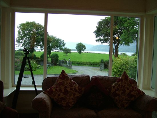 Loch Lein Country House : Front room view
