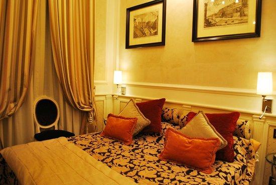 The Britannia Hotel: Room