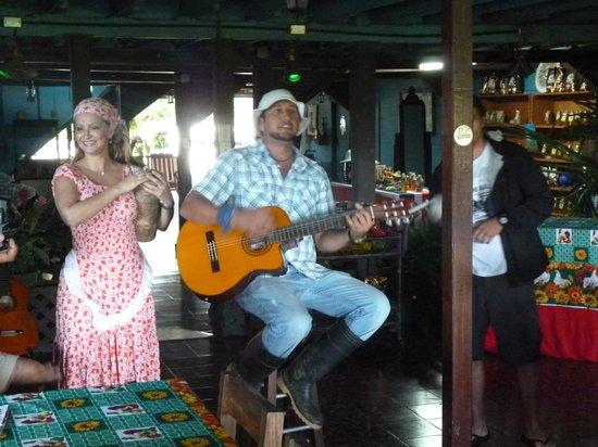 Casona Rio Fortuna: musica