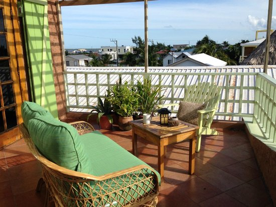 Caye Casa: private front porch on 3rd floor