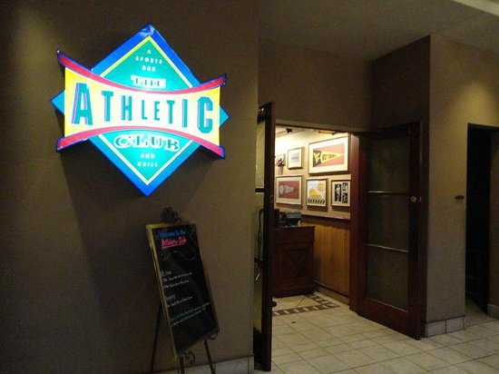 Embassy Suites by Hilton Charleston: The Athletic Club entrance