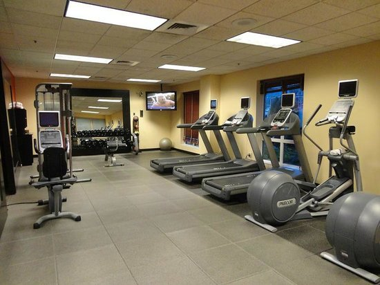 Embassy Suites by Hilton Charleston: The Exercise Room