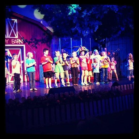 Comedy Barn: kids on stage
