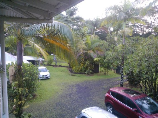 Lava Tree Tropic Inn: picture from the balkony