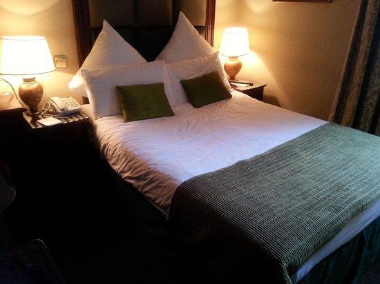 Shaftesbury Metropolis London Hyde Park: bedroom