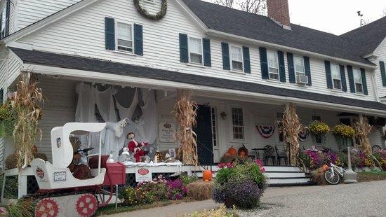 Christmas Farm Inn: xmas farm inn