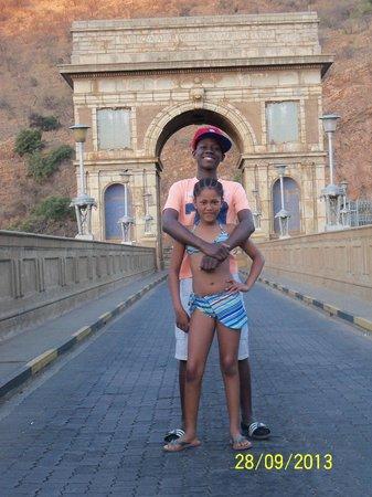 Hartbeespoort Dam: family