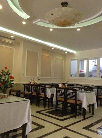 Hue Serene Palace Hotel: Lobby/Dining Area