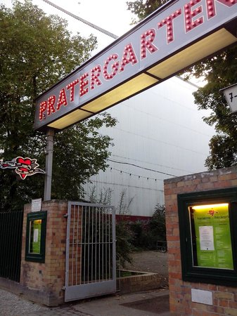 Prater Garten: Fachada do Prater, na Kastanienallee.