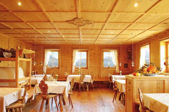 Hotel Appartement Sonnenhof: Urige Bauernstube zum verweilen