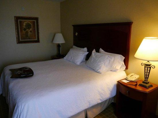 Hampton Inn & Suites Redding: Bett