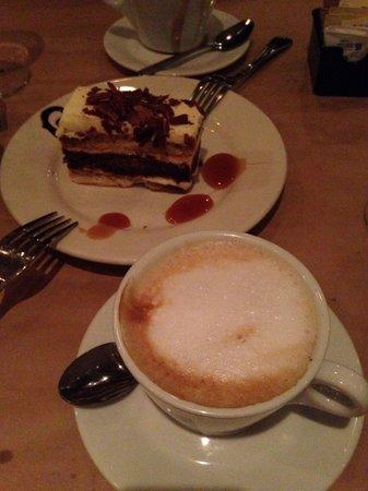 Trattoria Fantastica : Latte and best tiramisu!