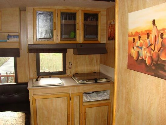 Sandboarding @ Sunday's River : Kitchenette in the Maggie May Houseboat.