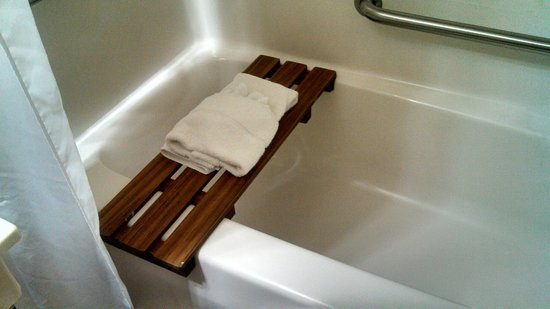 Country Inn & Suites by Radisson, Madison, WI: Bathtub Bench