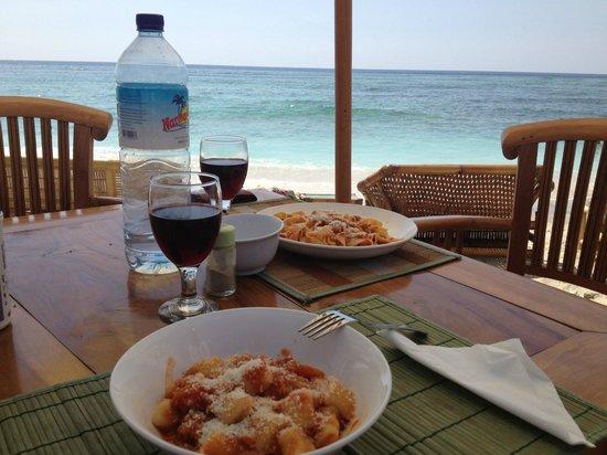 Vista Mare Italian Restaurant : Gnocchi e Tagliatelle al ragù