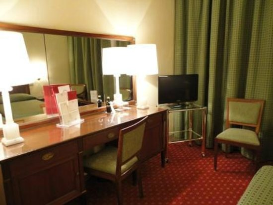 Bettoja Atlantico Hotel : twin room