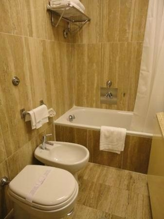 Bettoja Atlantico Hotel : bath room