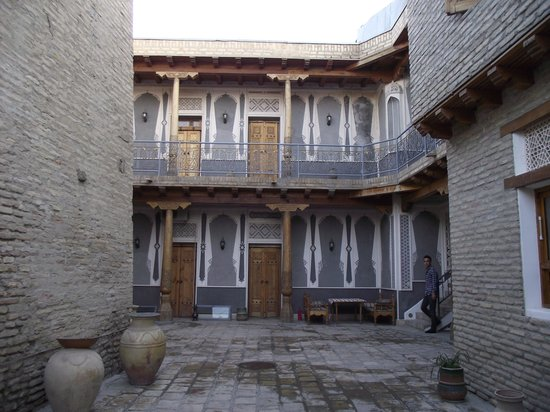 Minzifa Hotel: Binnenkoer van het oudste deel