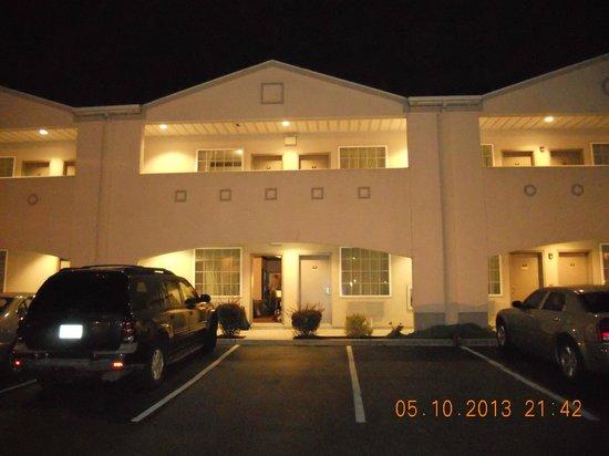 Days Inn & Suites Cherry Hill - Philadelphia: Motel