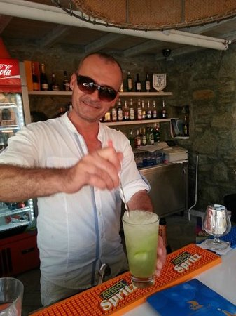 Vencia Hotel: Dimitri making his famous drinks!  Try his mojito