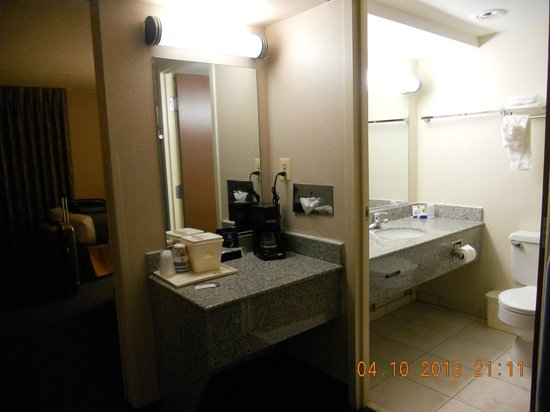 Best Western Capital Beltway: salle de bains