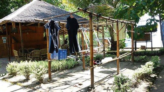 Two Fish Divers Bunaken: Dry your wet suit