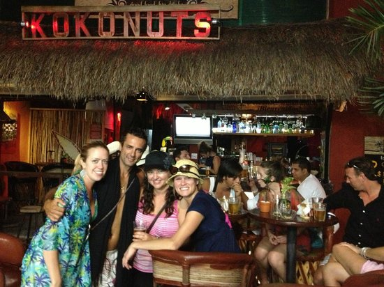 Kokonuts Restaurante & Sports Bar
