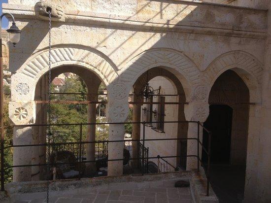 Meleklerevi Cave Hotel: Otelden bir görünüm