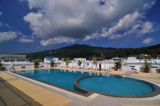 Issara Resort: roof top pool