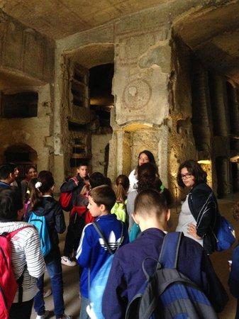 Catacombe di San Gennaro : il gruppo con la guida