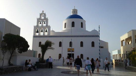 Fanari Villas: Church in Santorini walking distance