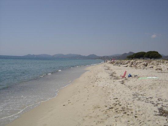 Tiliguerta Camping Village: Spiaggia