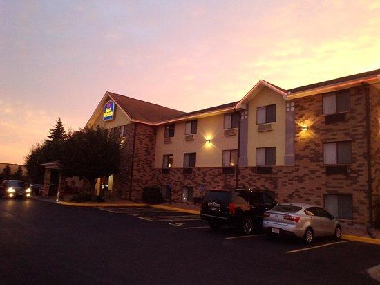 Best Western Eden Prairie Inn: 正面