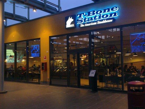 Ingresso T-Bone Station Parma