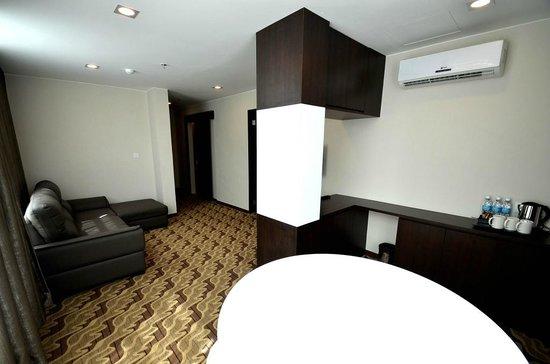 Eminent Hotel: suiteminibar