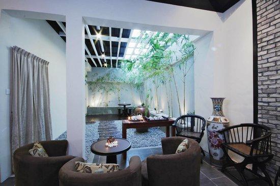 South Sea Sanctuary: Bamboo Garden