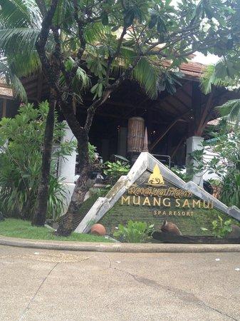 Muang Samui Spa Resort : Outside the hotel