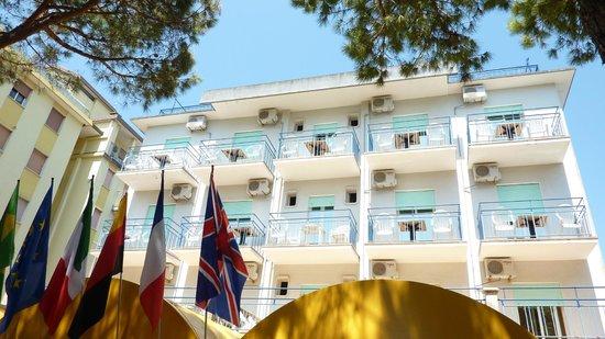 Hotel Canova: fronte hotel