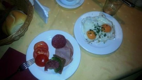 Hotel Augarten: Buffet breakfast2