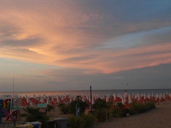 Hotel de France: Avond in Rimini