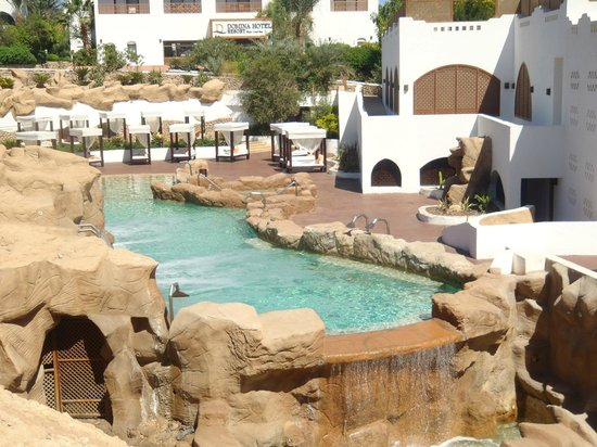 Domina Coral Bay Prestige Hotel : one of the pools at the Elisir spa