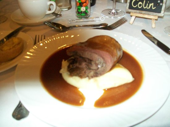 Highgate House Hotel: The main course is ample as well