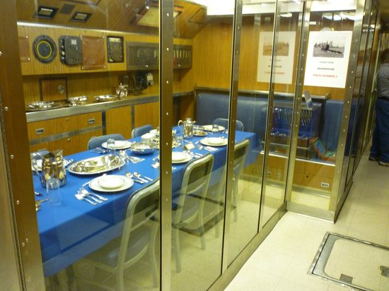 The Submarine Force Museum: Officers dining area
