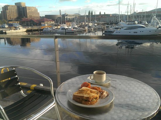 Somerset on the Pier Hobart : A breakfast with a view