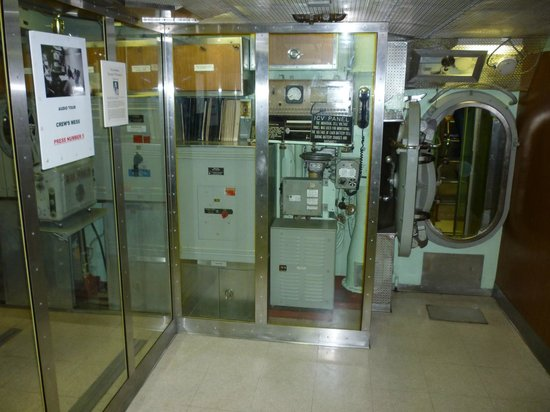 The Submarine Force Museum: Sub interior