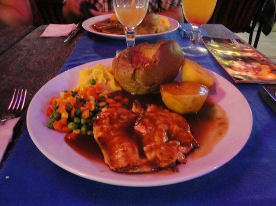 Cousins Steakhouse FUN&PUB : Fantastic roast dinner..yummy..yummy..yummy