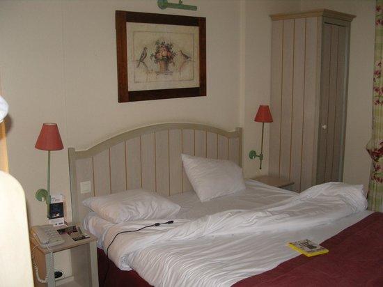 Hotel Kyriad Paris Disneyland: 1