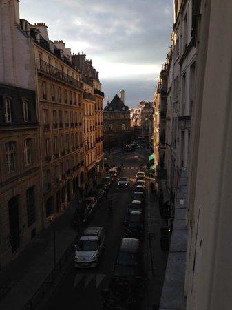 Hotel Fontaines du Luxembourg: Aussicht aus Zimmer 205 Richtung Senat / Jardin de Luxembourg