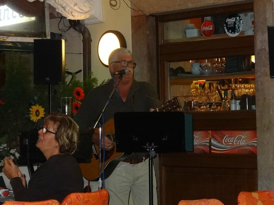 Hotel all'Ancora: Rod - the entertainer